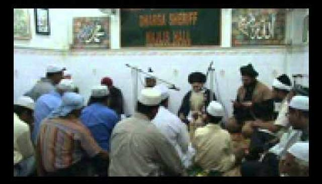 Khatm ul-Khwajagan at the tomb of Shaykh Osman Abdul Rahman Waliullah (q) of Ceylon