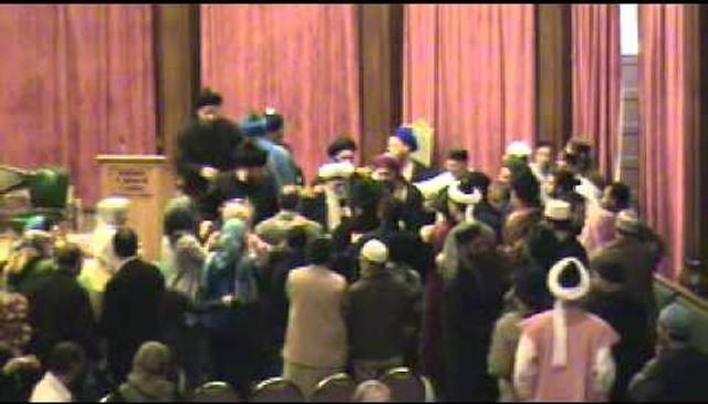 Three People Take Shahadah with Shaykh Hisham Kabbani