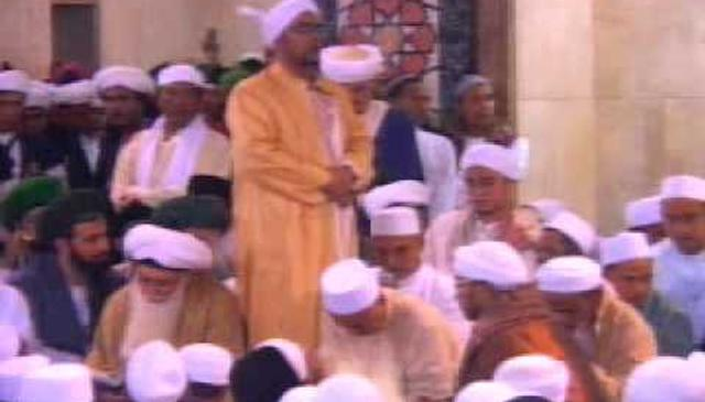 The President of Indonesia and 250,000 Attendees Attend Shaykh Hisham's Association at Istiqlal Mosque