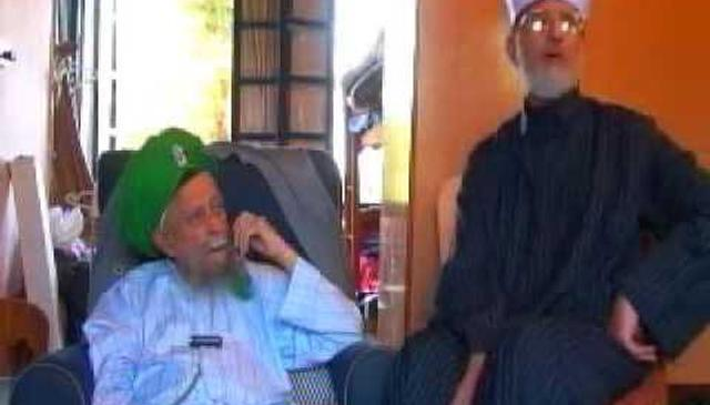 Historic meeting of Mawlana Shaykh Nazim & Shaykh Tahir al-Qadri in Cyprus