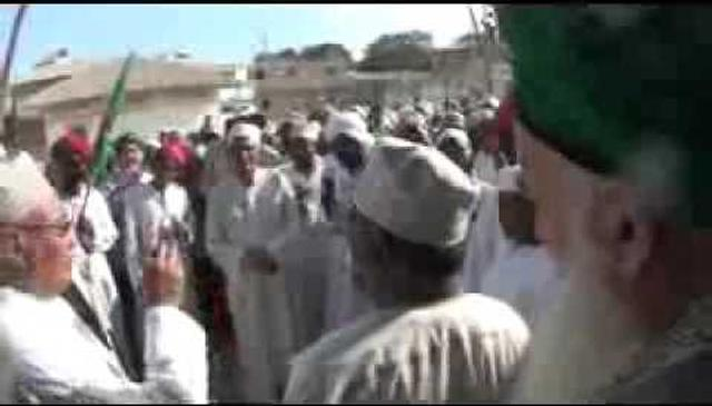 Lamu Receives Shaykh Hisham with Dancing and Singing