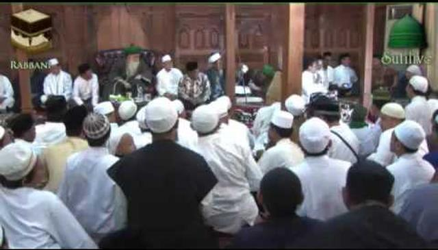 Ending Ceremony of Nahdat al-`Ulama in Honor of Mawlana Shaykh Hisham