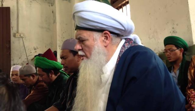 Visiting the Maqam of Shaykh Omar Basheer